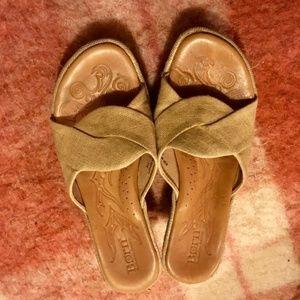70s Style Born Sandals!